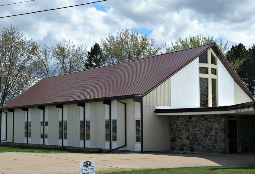 Tigerton Church Roof with GrandRib 3 Panel in Cocoa Brown